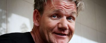 Celebrity Chef Gordon Ramsay Hilariously Roasts His Followers' Meals on Twitter
