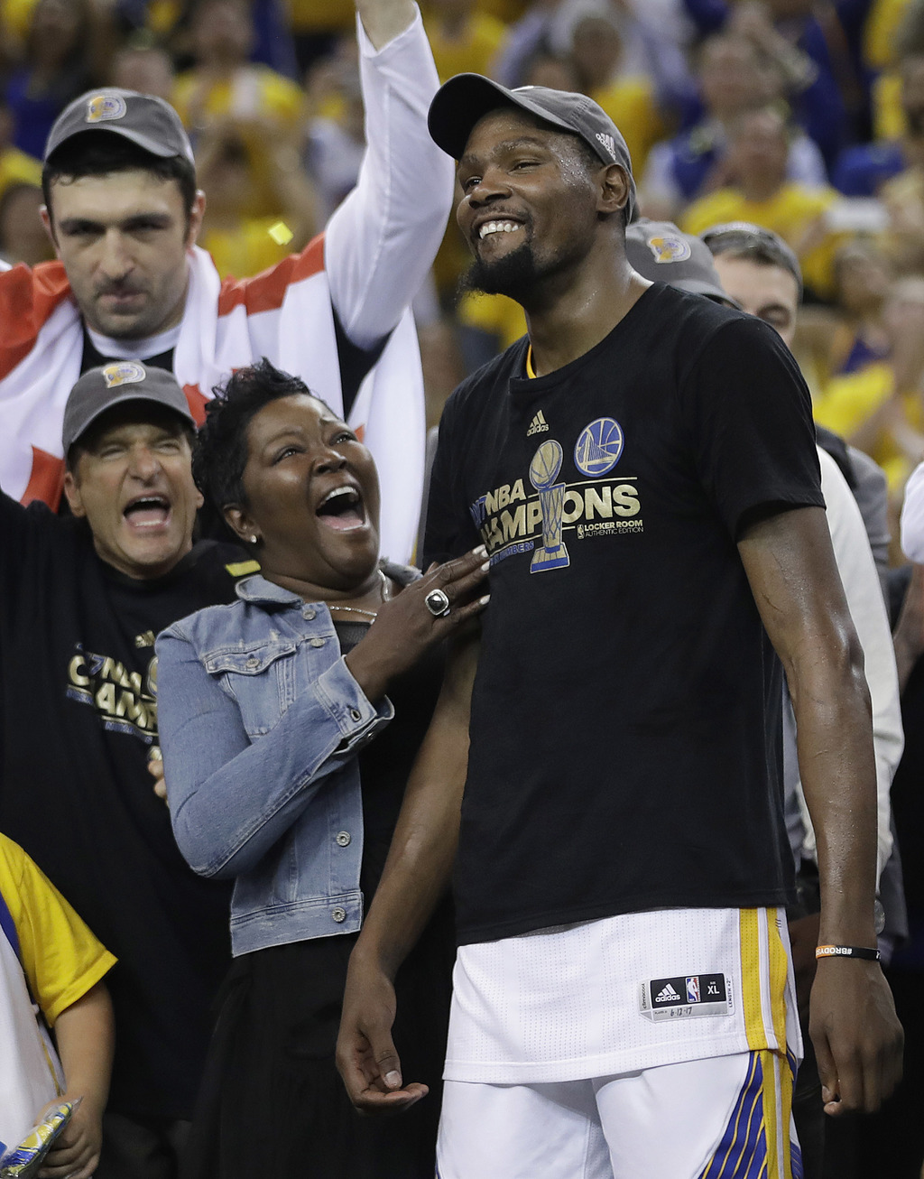 How Fans Have Dehumanized Kevin Durant and Other Athletes for Their Decisions