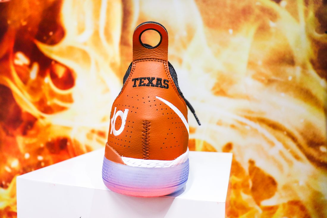 "First Look: Nike KD 11 ""Texas"""