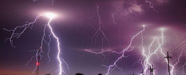 Reporter Struck by Lightning on Live TV